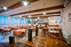 Istilah Saat Makan di Resto Hotel yang Traveler Harus Pahami